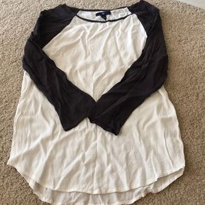 Gap 3/4 sleeve baseball tee